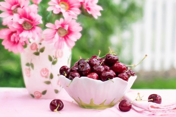 cherries-in-a-bowl-773021_1280